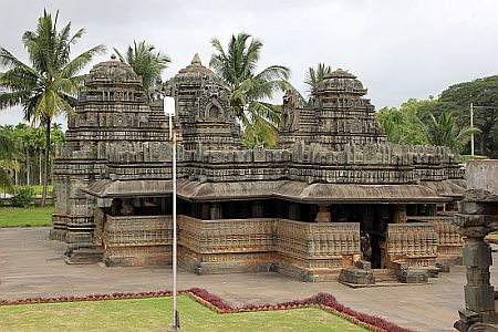 Kedareshvara_temple_Balligavi