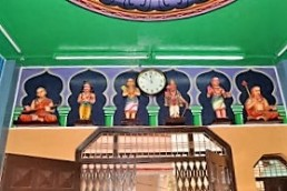 Mutthuswamy Dikshitar's idol sculptured on the walls of the temple.