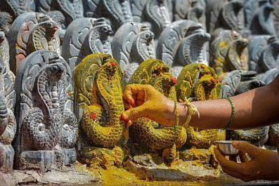nag-panchami-hindu-snake-festival