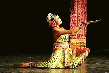 dancing in temple